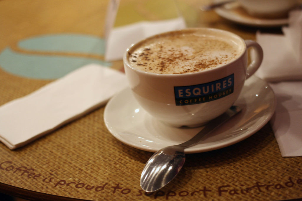 esquires-coffee-house-toffee-apple-latte