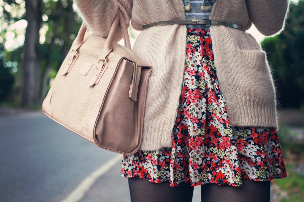 pink-bag-ditsy-print-skirt