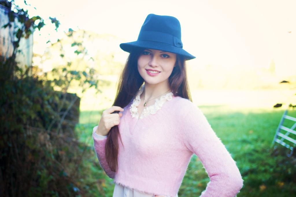 long-hair-black-fedora