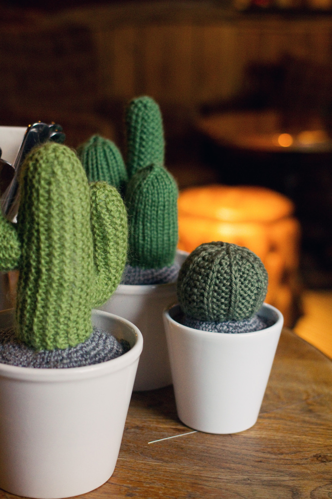 3-knitted-cacti