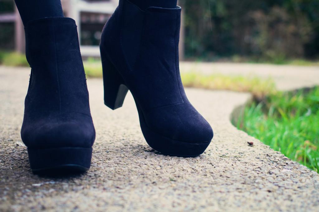 black-primark-platform-boots