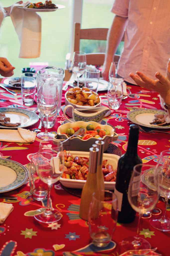 christmas-dinner-table