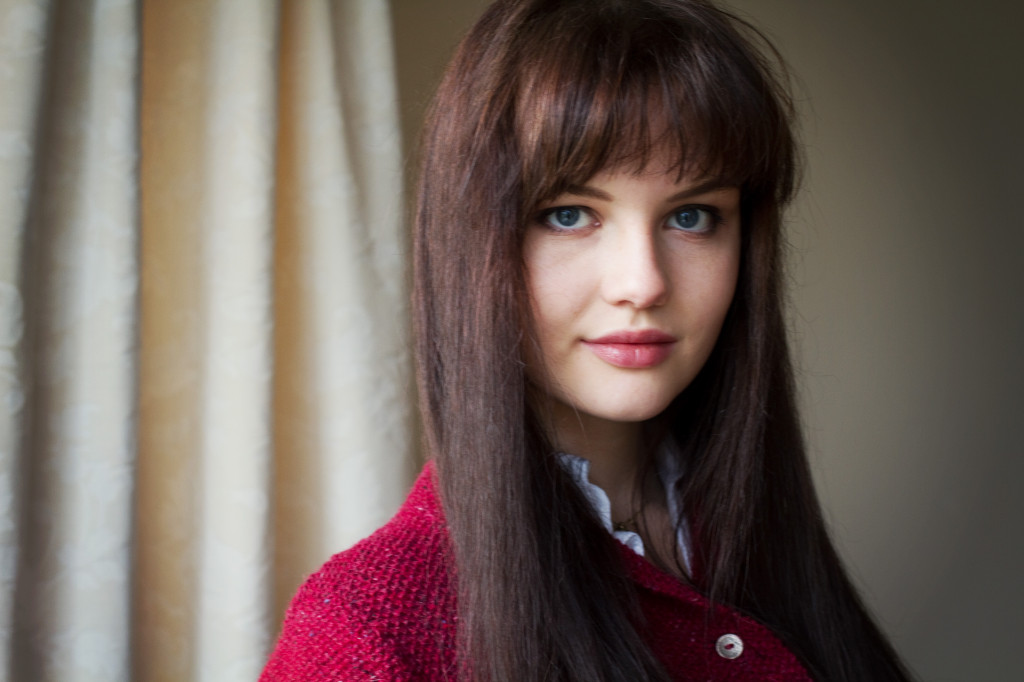 brunette-with-fringe
