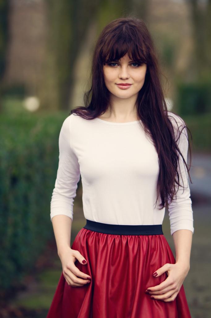 brunette-wearing-red-skater-skirt