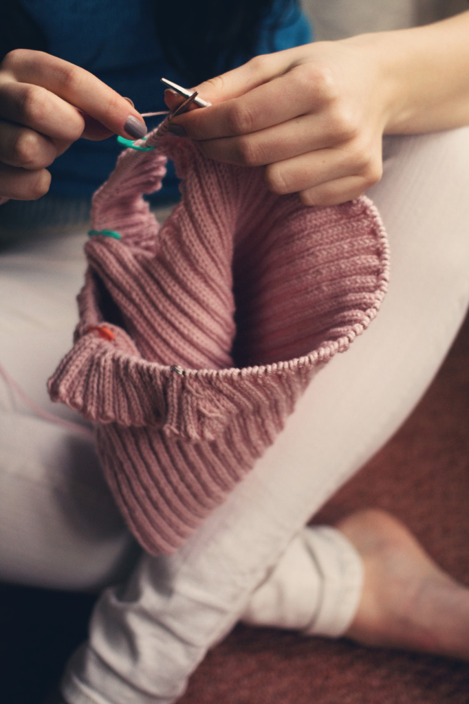 lily-kate-france-knitting-with-sublime-yarn