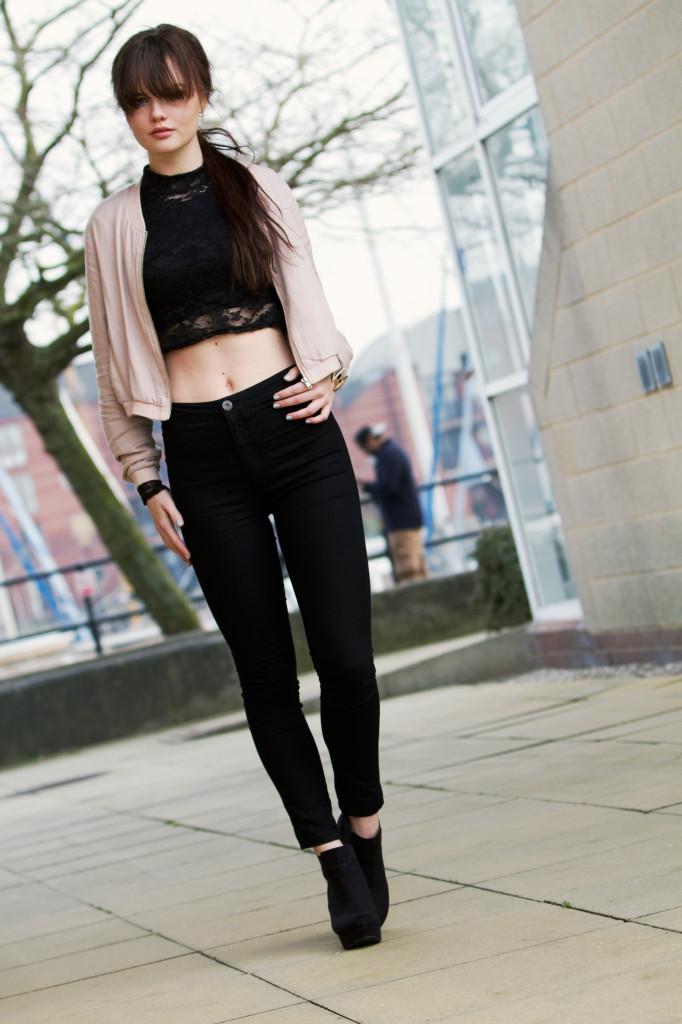 black-boots-black-skinny-jeans