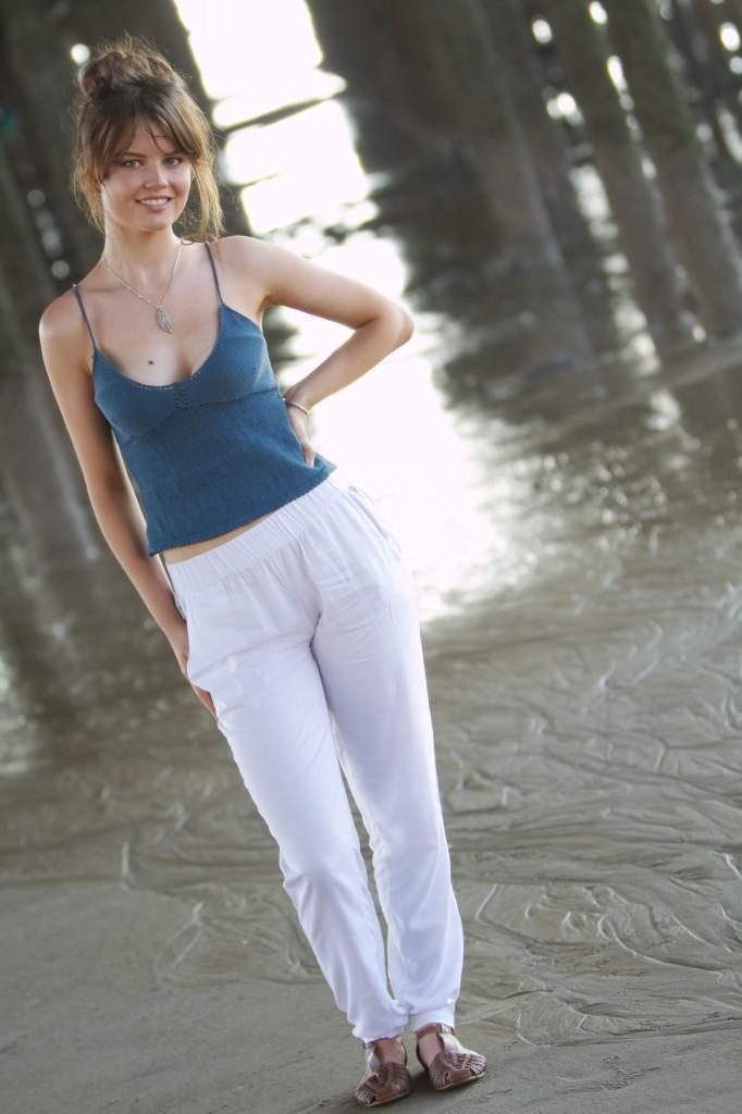 white-primark-trousers