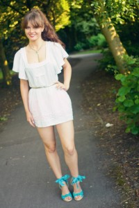 UK teen blogger wearing broderie boho style top