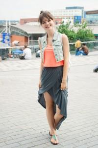 UK teen blogger wearing grey wrap River Island skirt