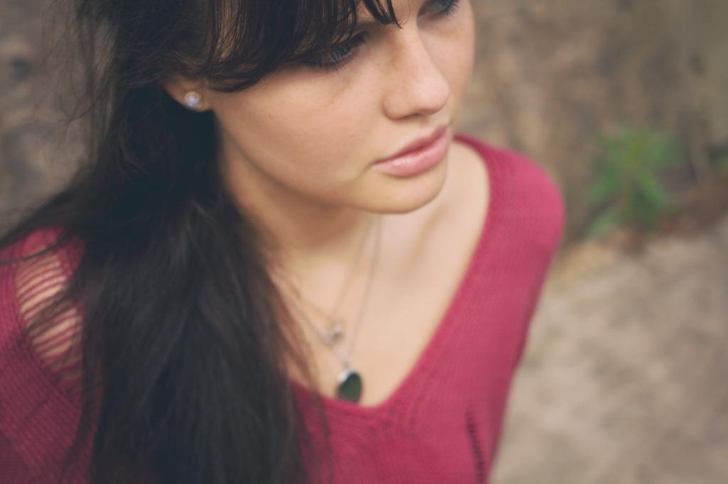 brunette-model-nude-lip