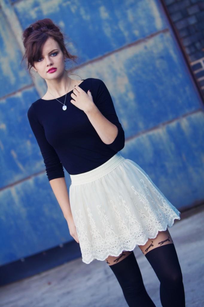 forever21-cream-lace-skirt