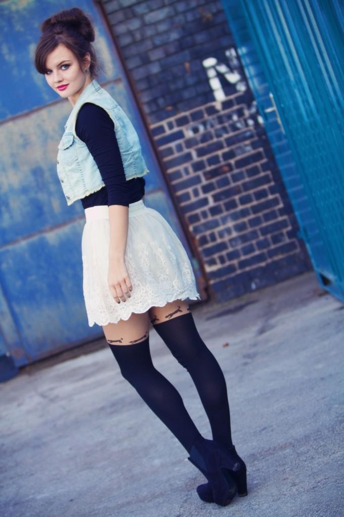 lacy-forever21-skirt