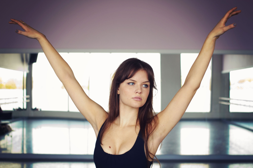 brunette-doing-ballet-pose