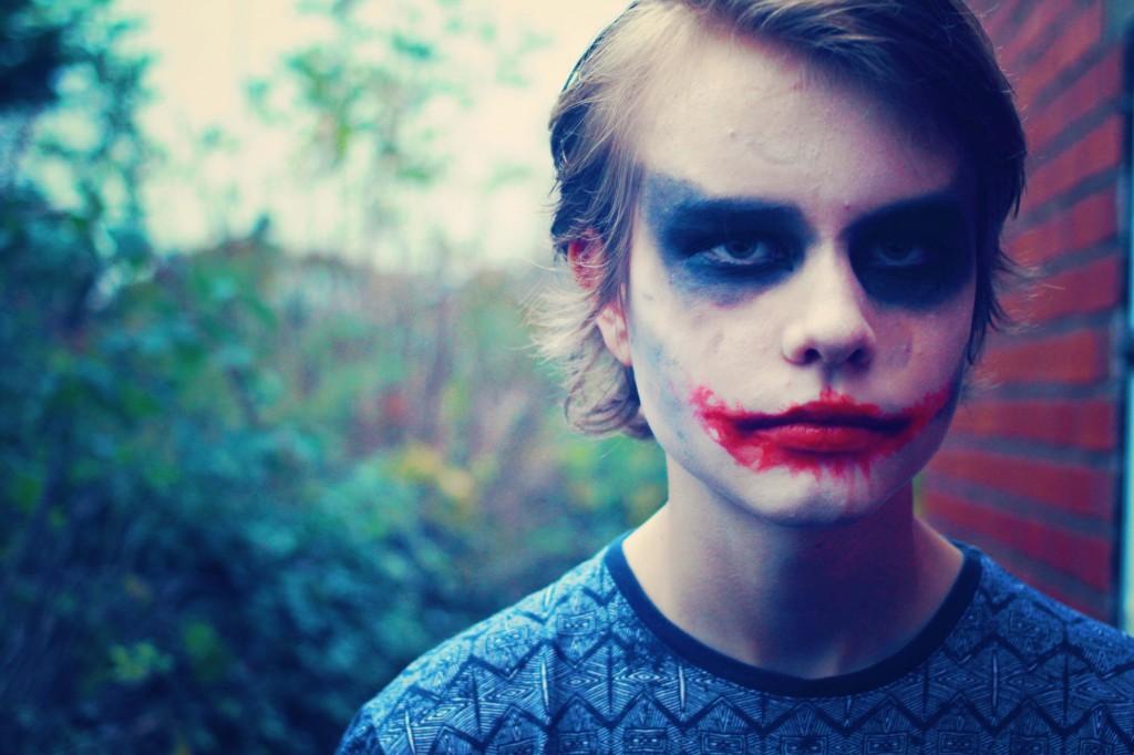 halloween-the-joker-makeup