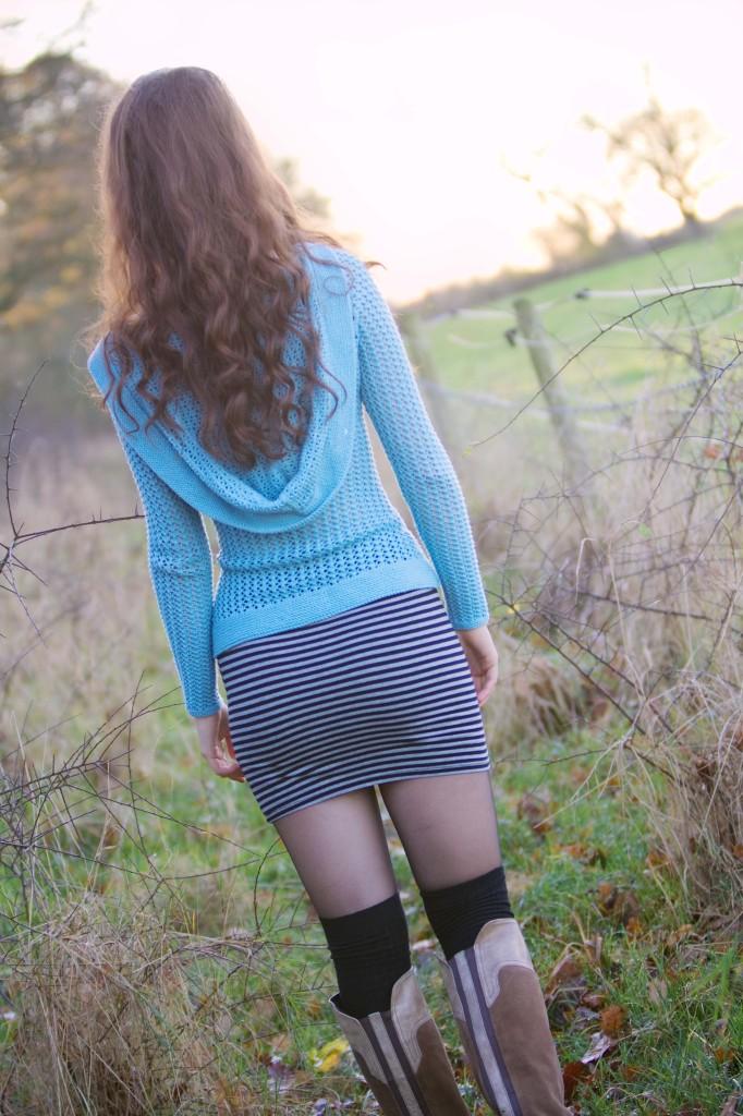 laika-cardigan-tube-skirt