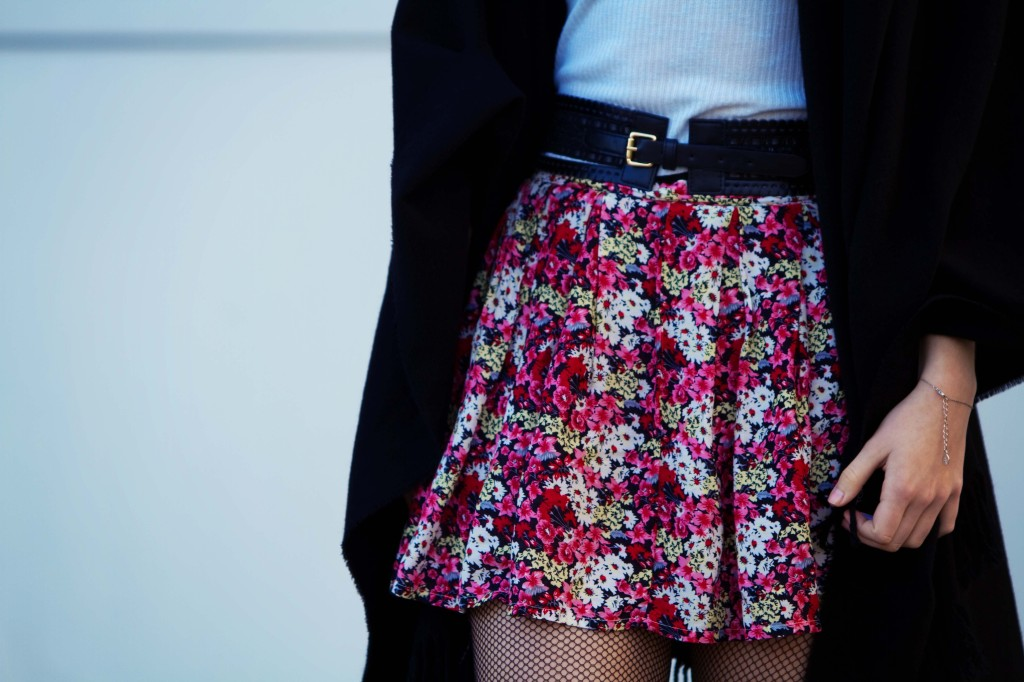 pink-floral-skirt-with-fishnet-tights
