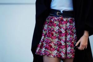Short ditsy print skirt