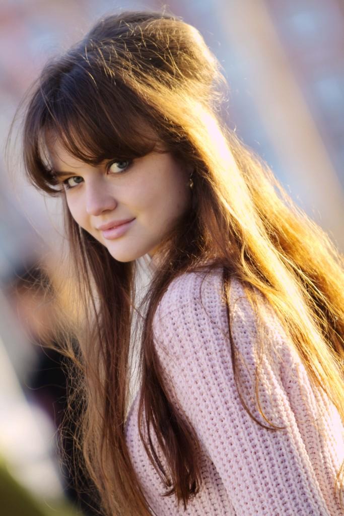 brunette-teen-blogger