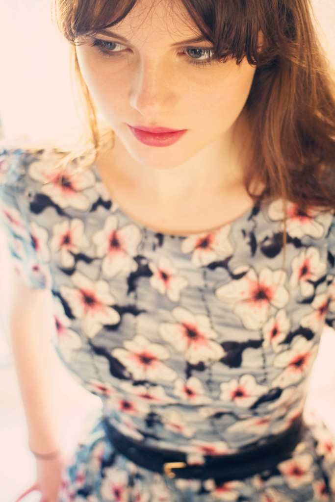 grey-floral-dress-and-pink-lipstick
