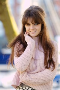UK teen blogger wearing pink rib knit sweater from New Look