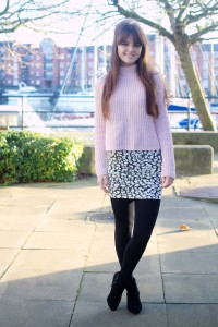 UK teen blogger wearing black animal patterned skirt and black opaque tights