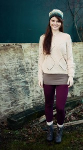 Casual teen outfit with plum cable leggings