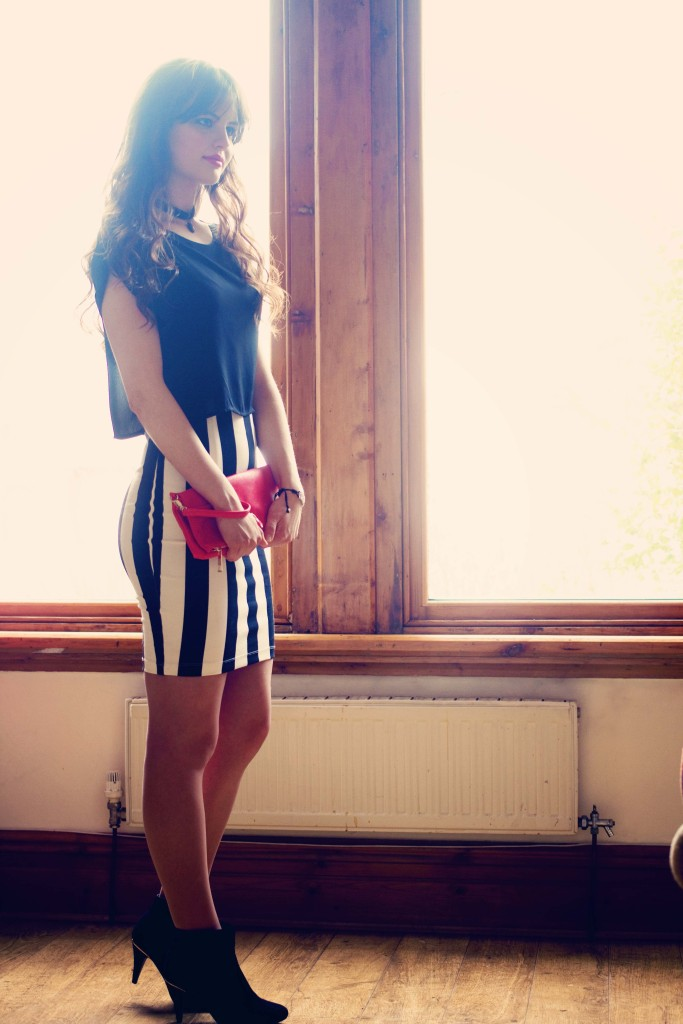bodycon-skirt-and-ankle-boots