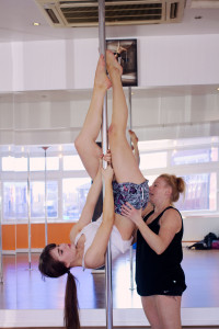 Getting inverted on pole fitness