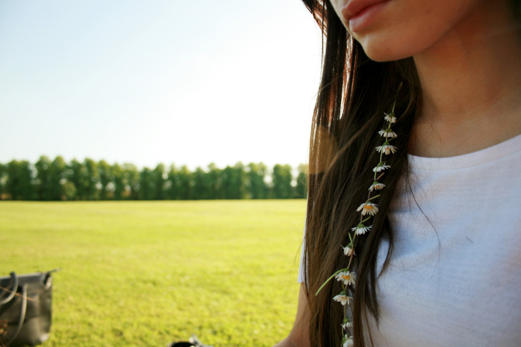 daisy-chain-in-hair