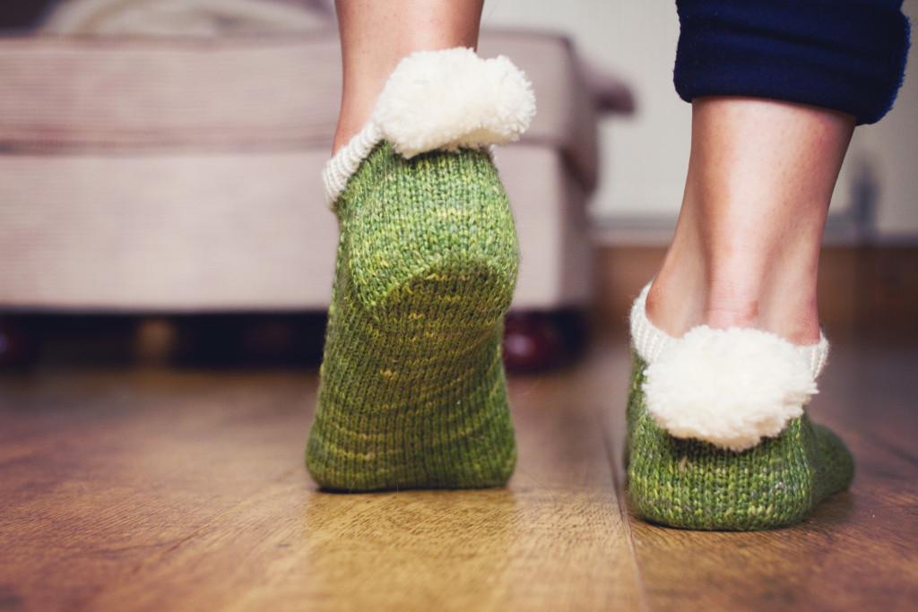 green-pompom-peds