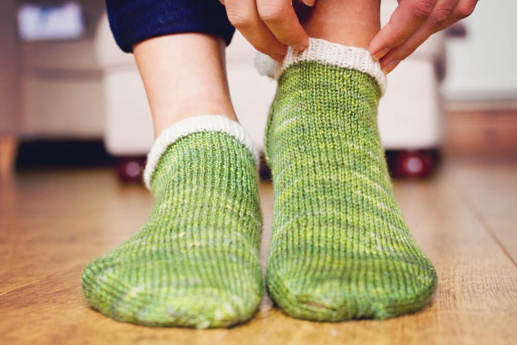 green-purl-soho-pompom-peds