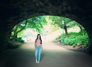 Teen blogger photographed under bridge
