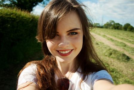 smiling-teen-selfie