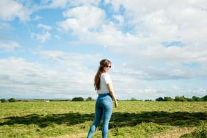Teen blogger wearing Joni jeans