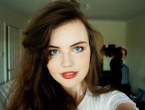 Teen blogger selfie