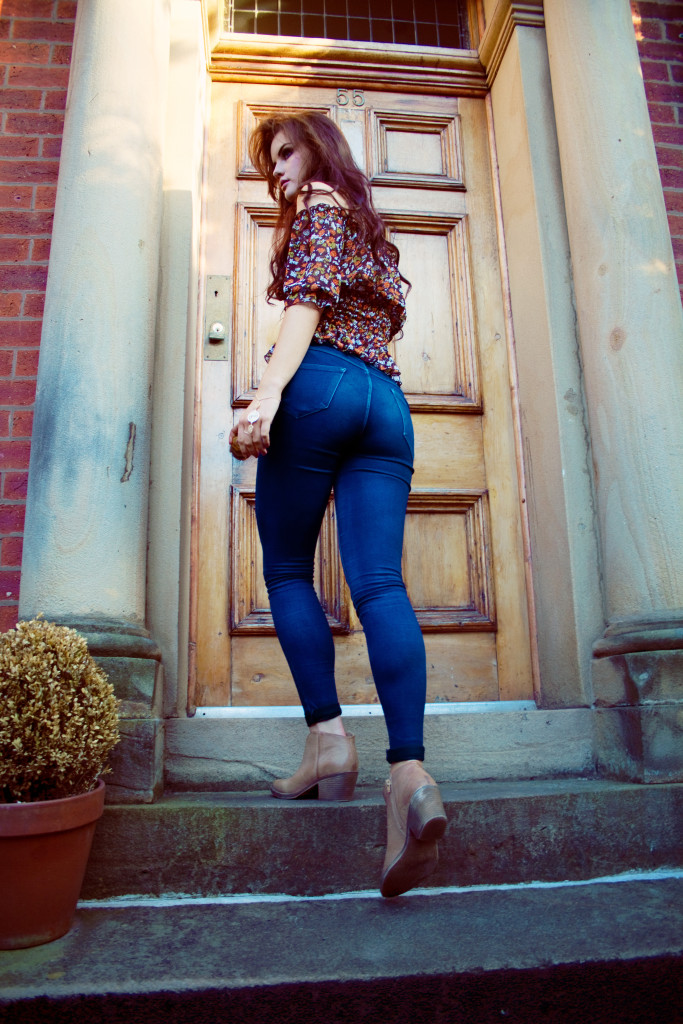 dark-blue-high-waist-jeans