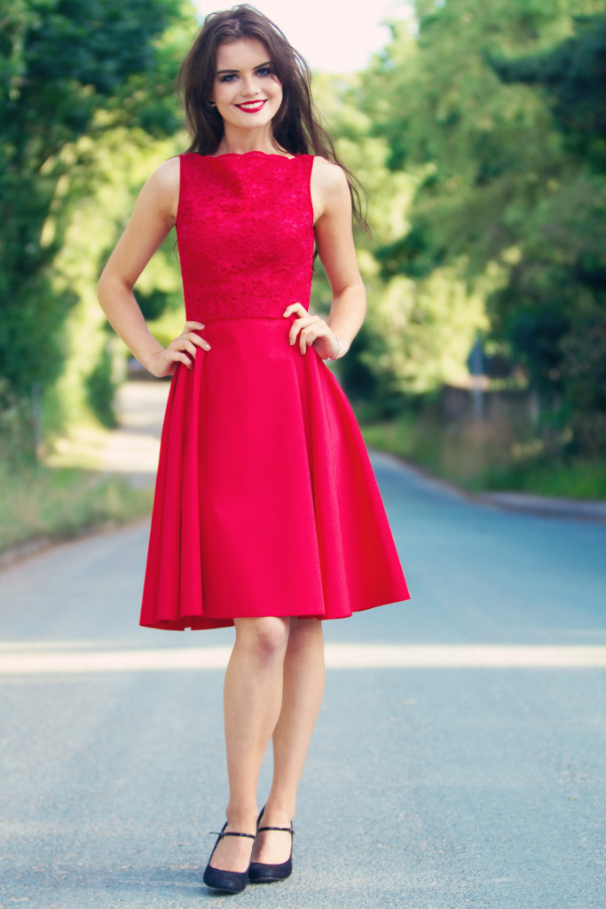 jones-and-jones-red-midi-dress
