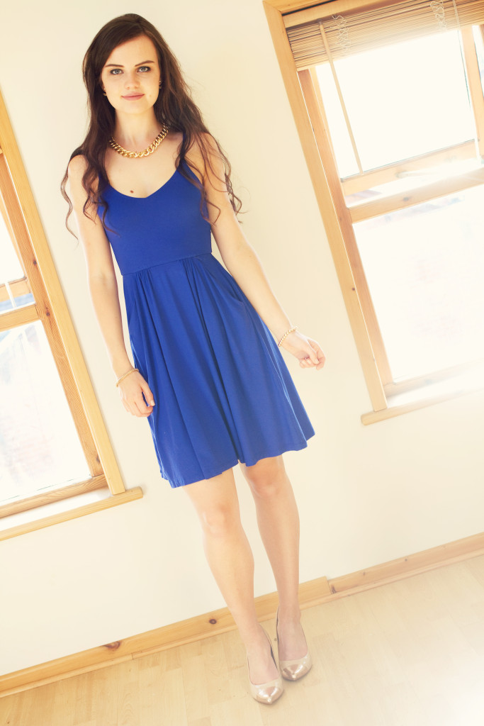 uk-blogger-wearing-blue-dress