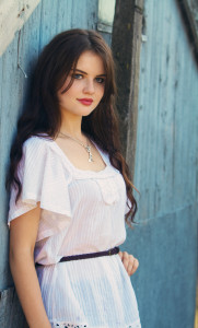 Teen wearing belted boho style top jolihouse.com