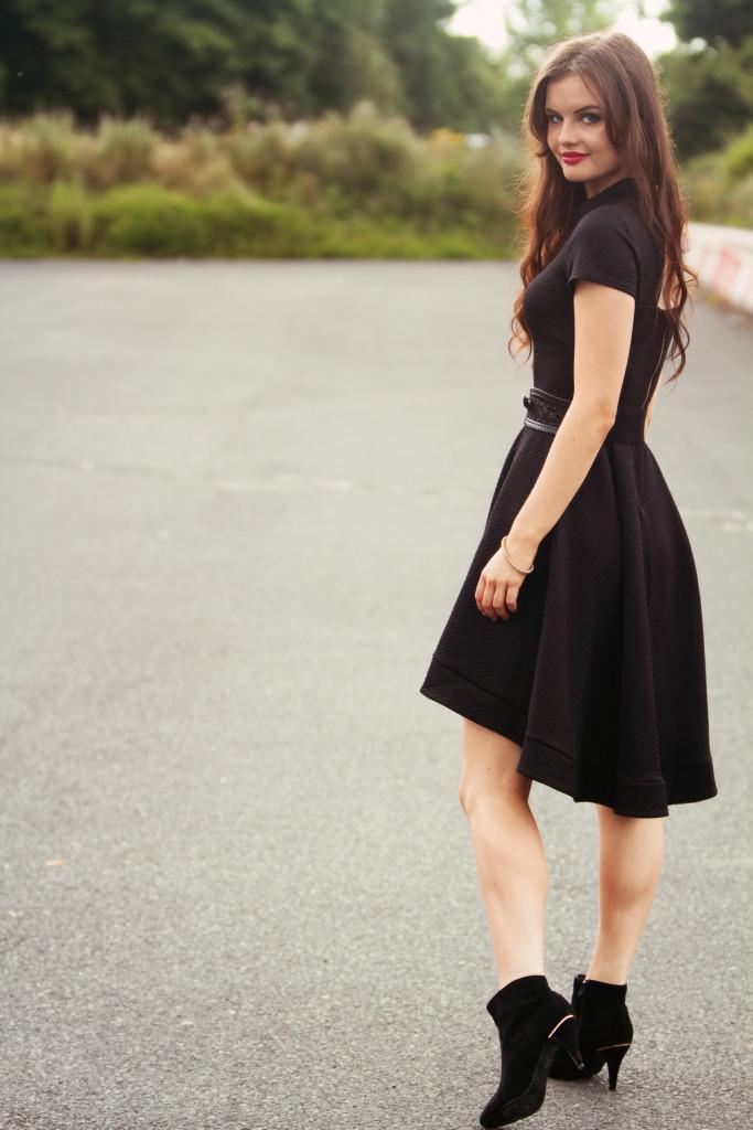 black-closet-london-dress