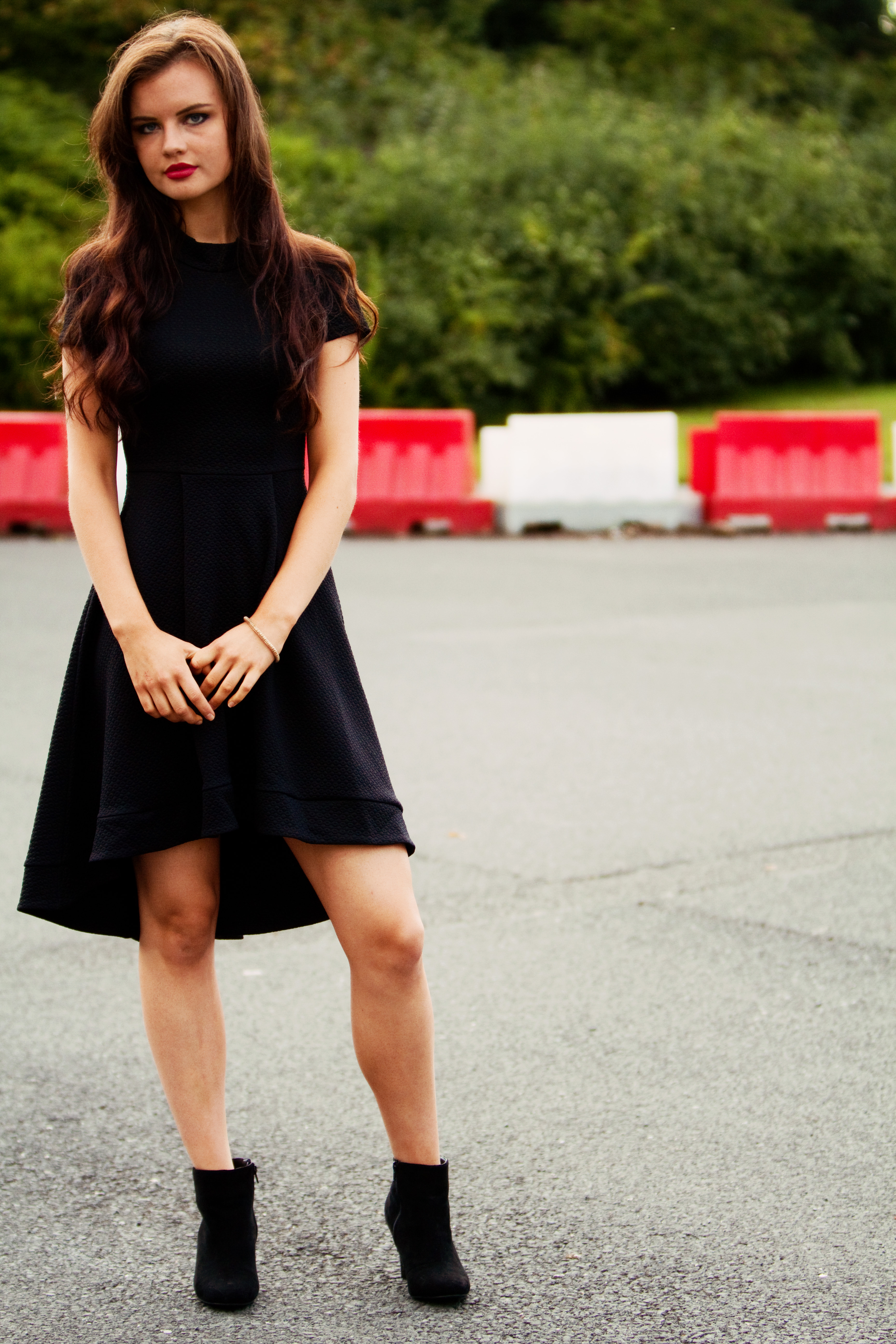 brunette-black-dress-black-boots - Joli House