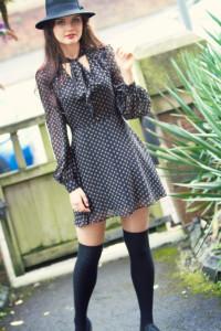 Teen outfit. Full sleeve mini dress. 70s style. Fedora hat. Over the knee socks. jolihouse.com