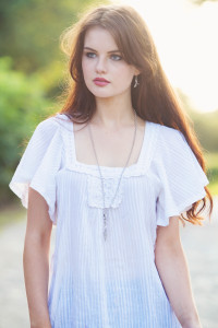 Teen wearing boho style top. Senior portrait shoot idea. jolihouse.com