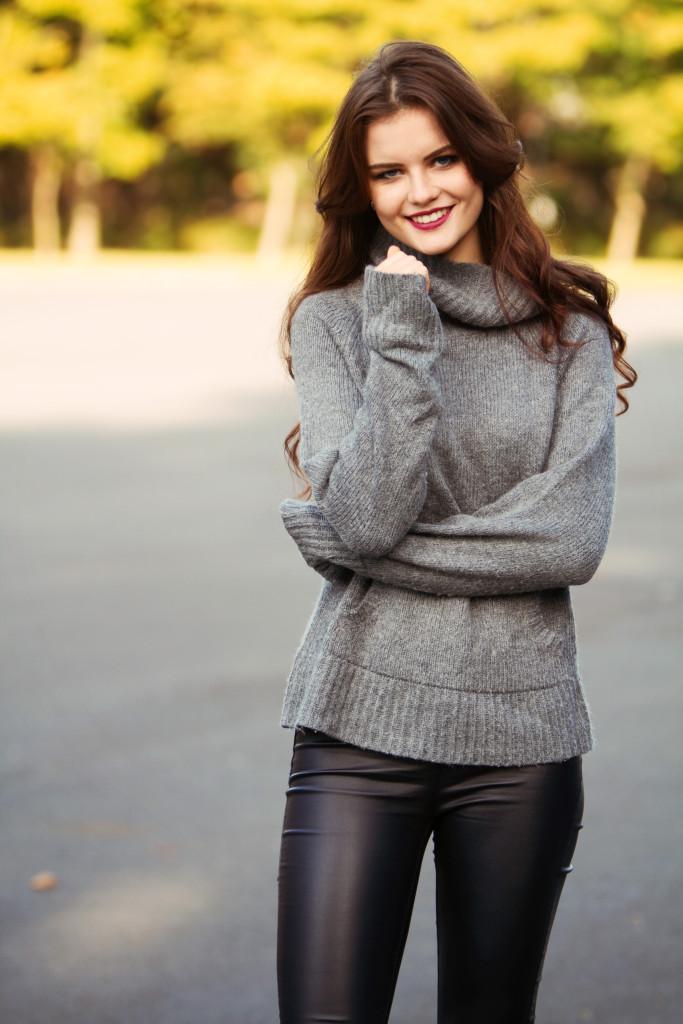 casual-grey-sweater