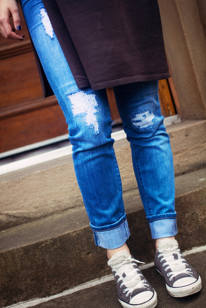 RIPPED-STRAIGHT-LEG-JEANS