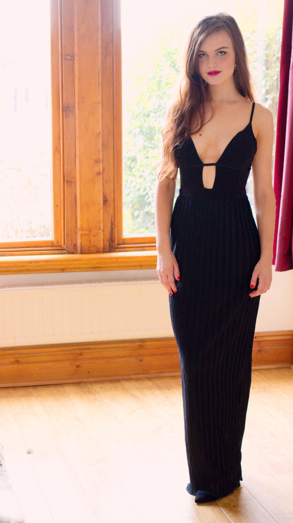 plunge-front-black-maxi-dress