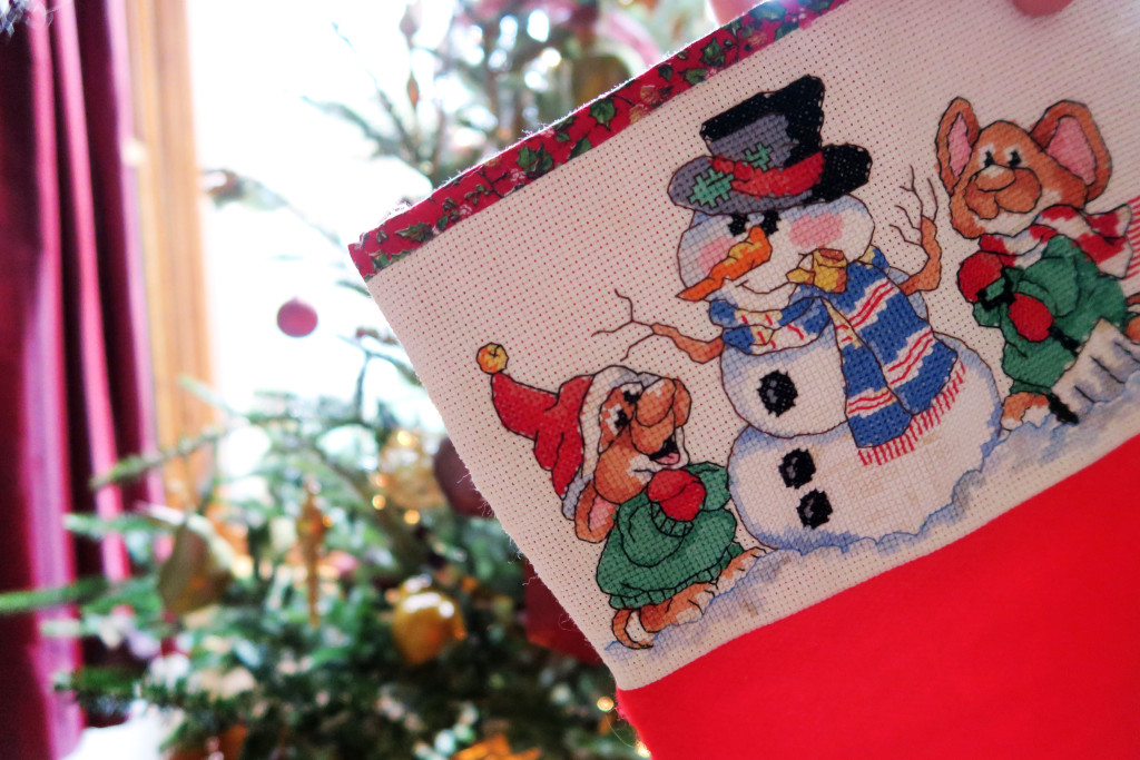 cross-stitch-christmas-stockings