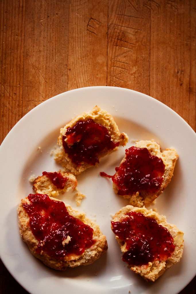 scones=jam