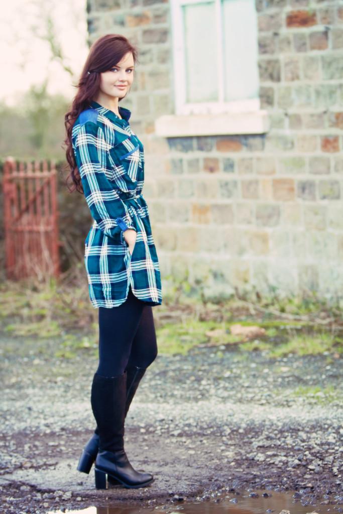 tu-checked-dress