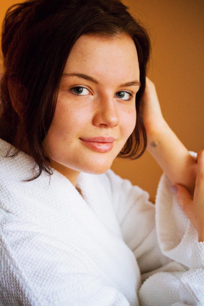 makeup-free